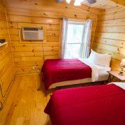 twin beds in ridgeview retreat