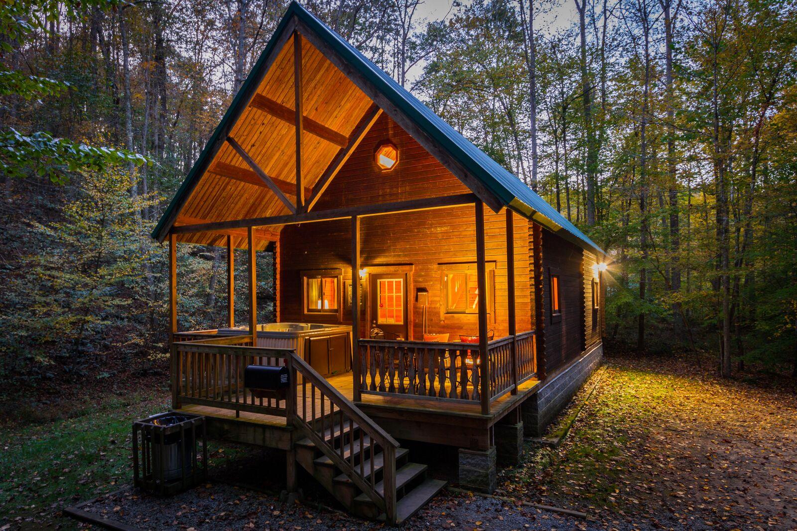 A charming susnet over an Aspen Log Home