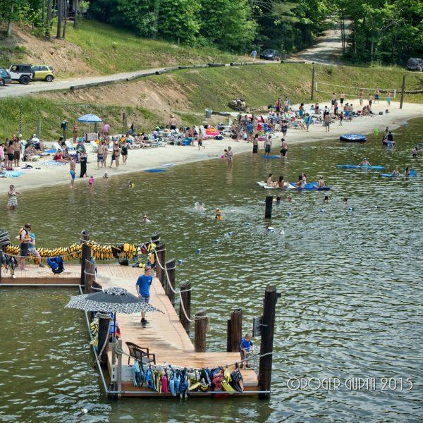 Guests enjoying a beautiful day on Wonderland Lake