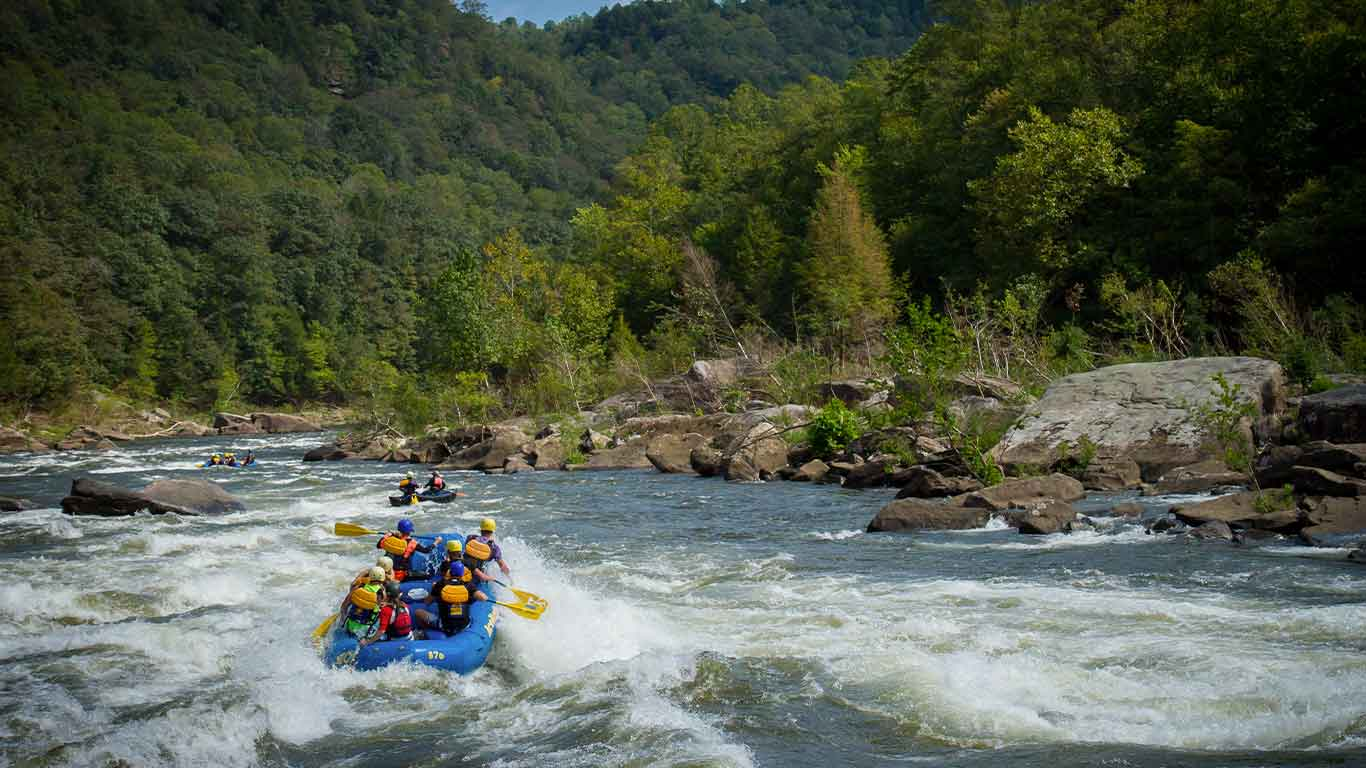 Group Lower Gauley river rafting with ACE Adventure Resort